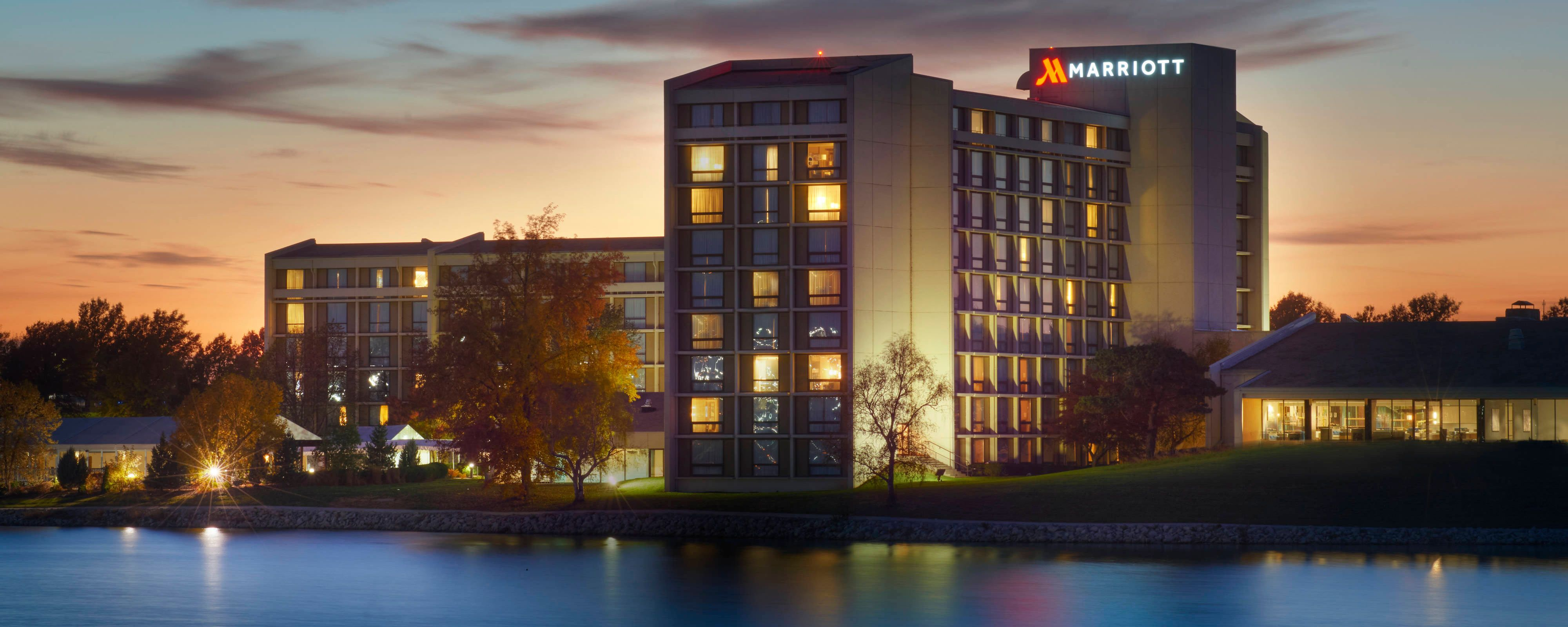 Enjoy A First Class Stay At Kansas City Airport Marriott Thanks To