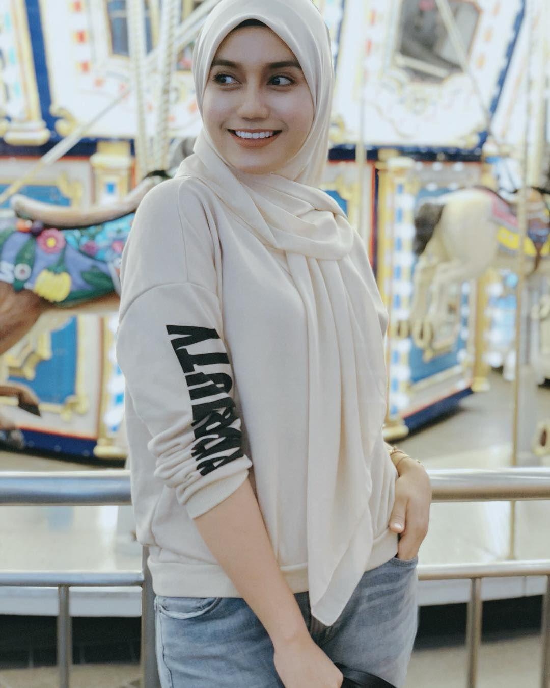 ในภาพอาจจะมี 1 คน Hijab, Kecantikan