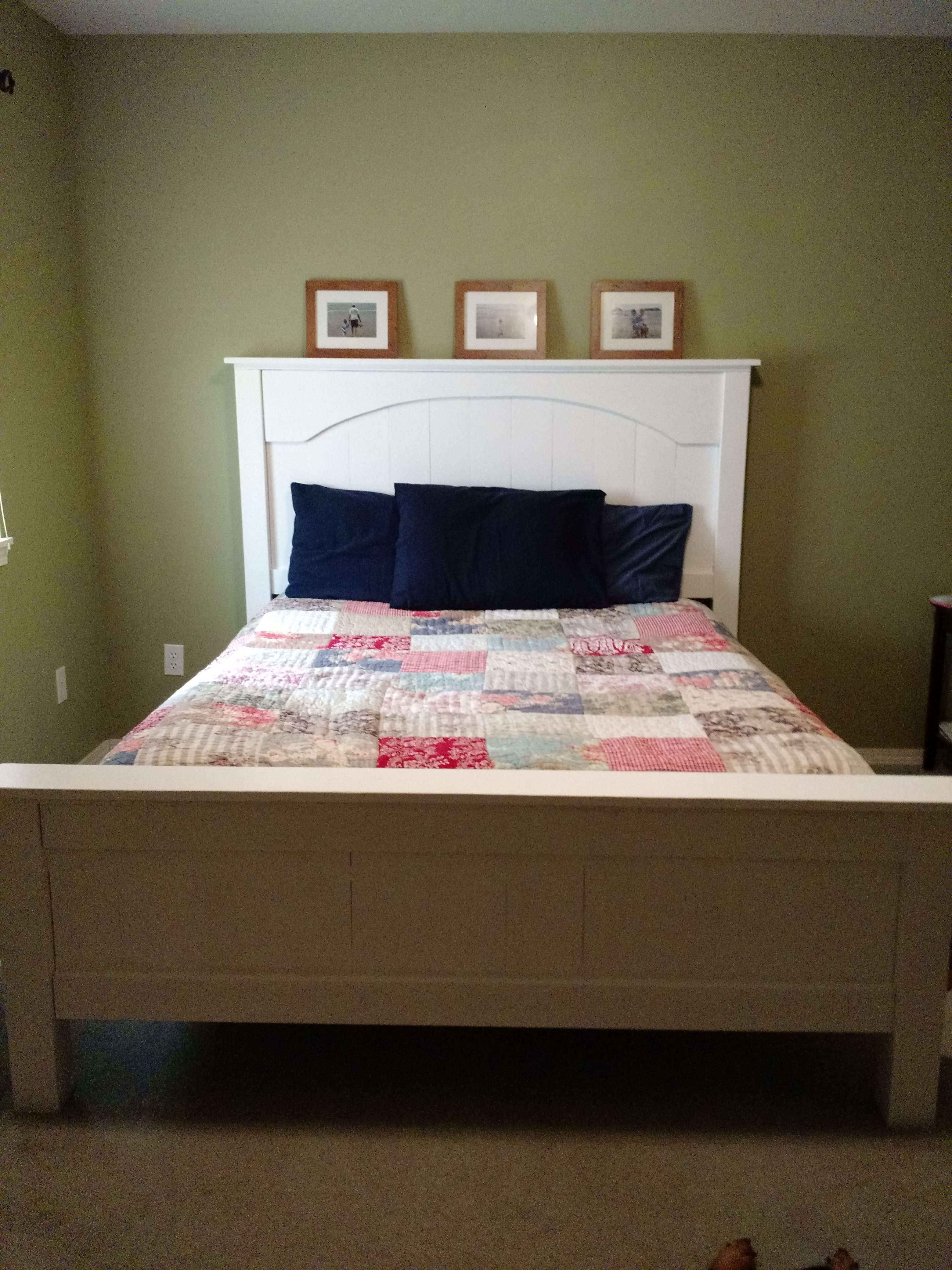 Best Ana White Queen Farmhouse Bed Diy Projects With Images Farmhouse Bedding Tween Girl 400 x 300