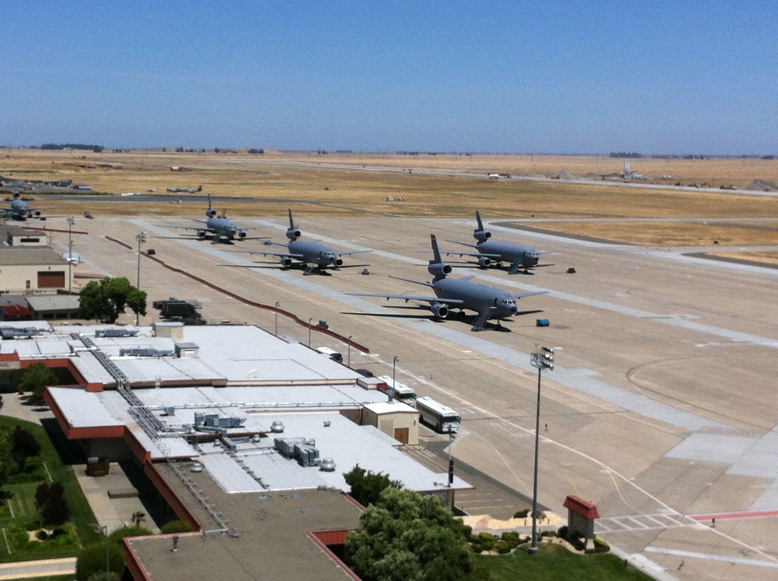 Travis Air Force Base Travis air force base, Air traffic
