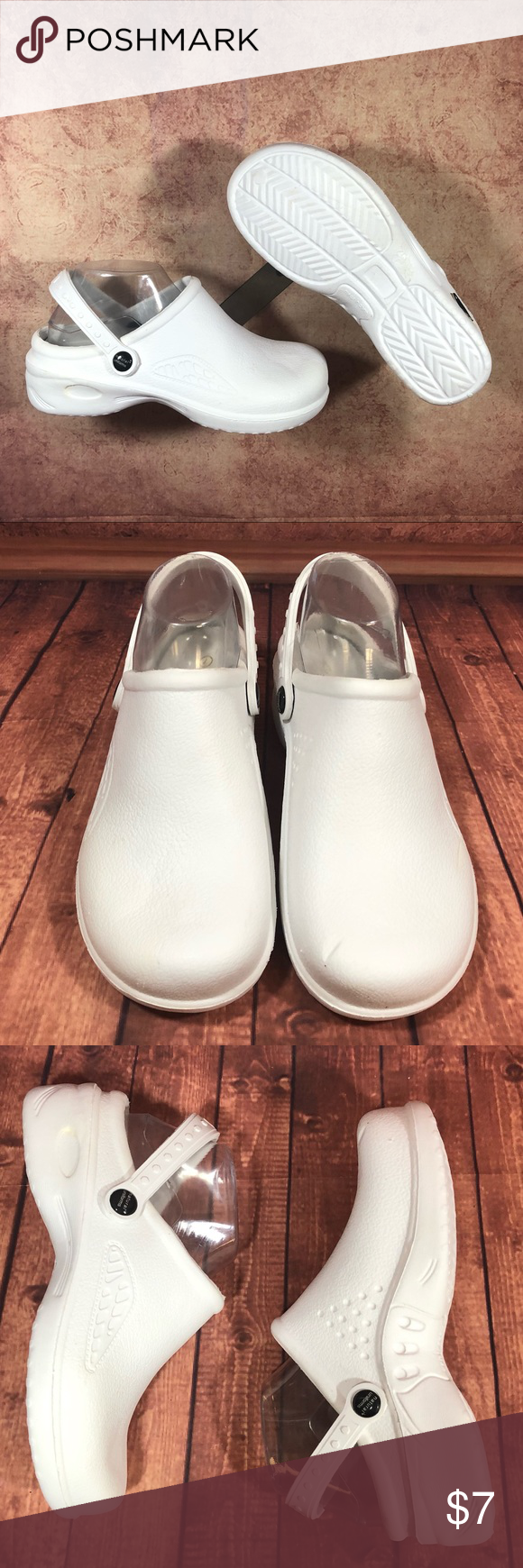 b9a9589fe3557 Natural Uniforms Womens Ultralite Strap Clogs s73 🌟Nearly new preowns show  minimal wear & minimal