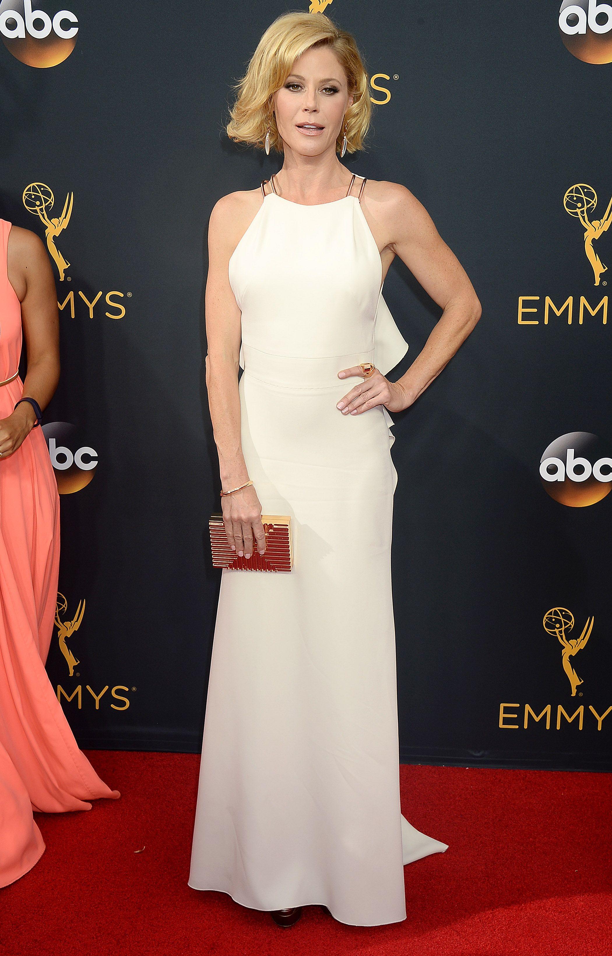 Julie Bowen - 68th Annual Emmy Awards in LA - 9/18/16