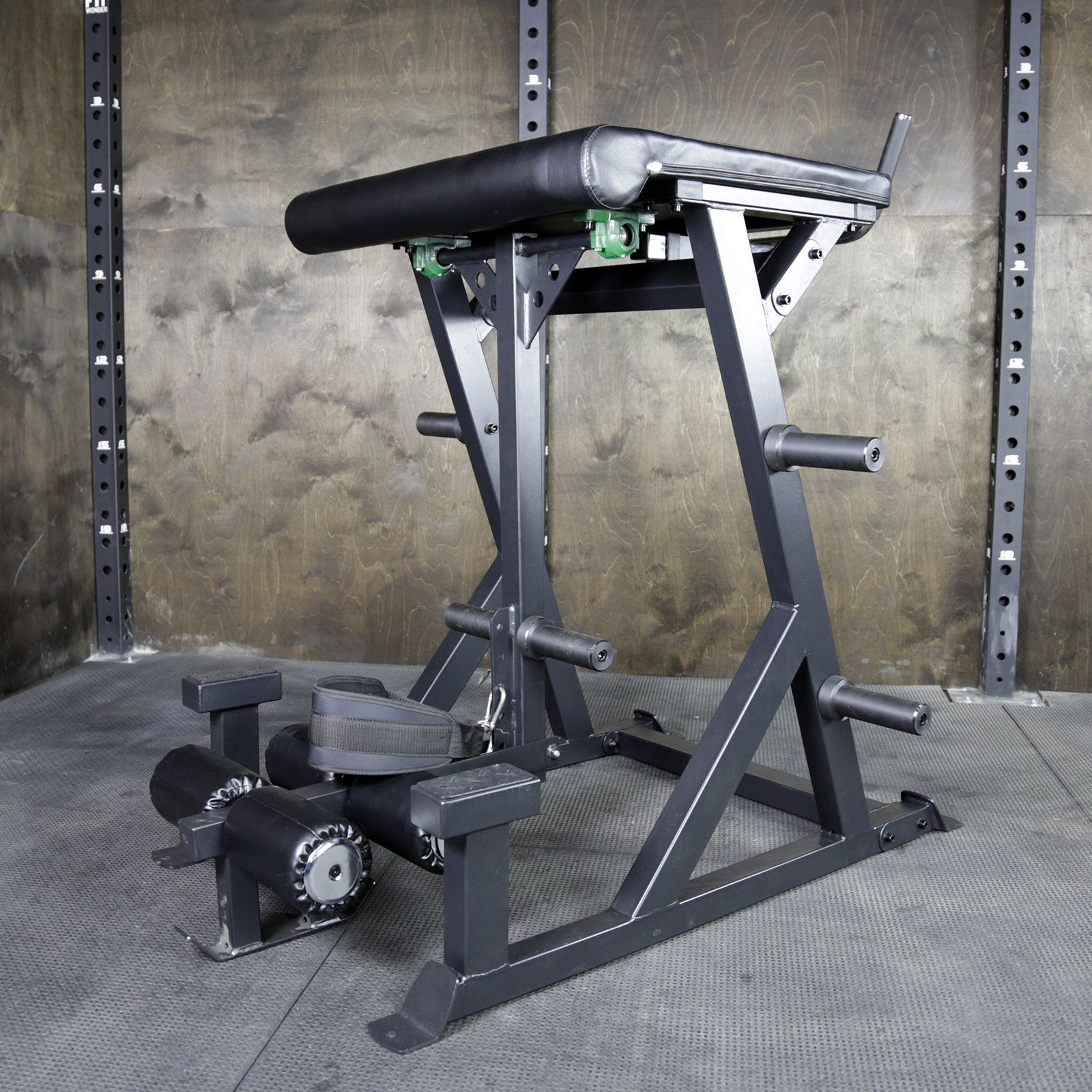 Reverse hyperextension machine by onefitwonder products