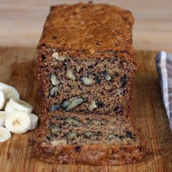 An irresistible banana nut bread that is easy to prepare and pleases our favorite banana nut bread recipe forumfinder Images