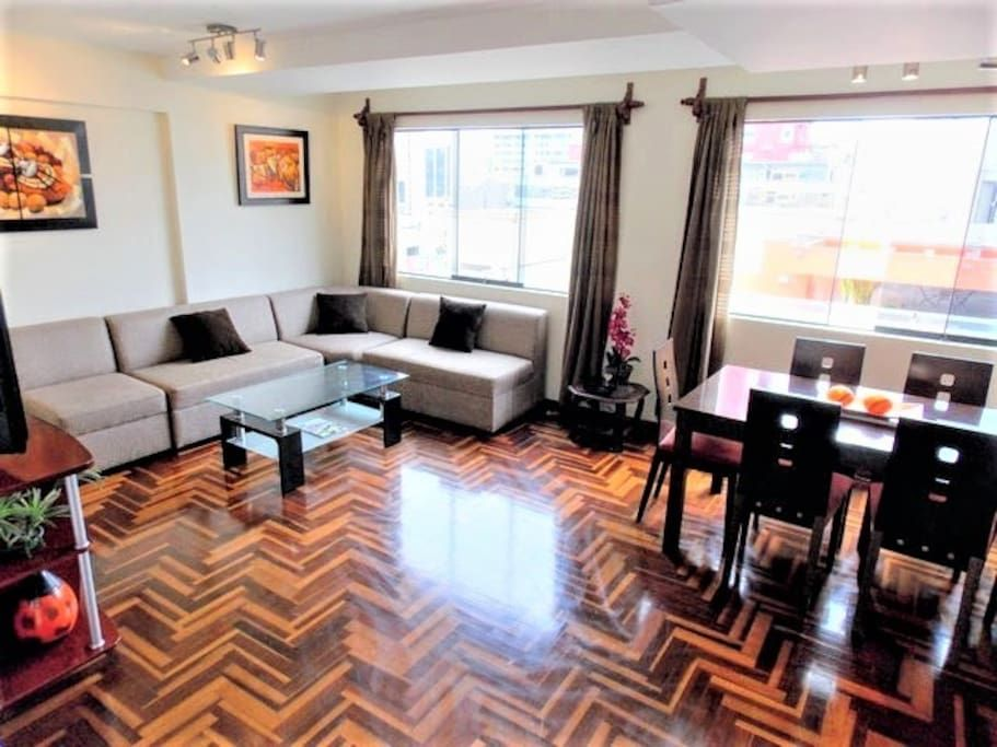 Logement Entier In Miraflores Pe Large 150 M2 Centrally Located Triplex Apartment Over With All Modern Furniture Located In Logement Meuble Meuble Moderne