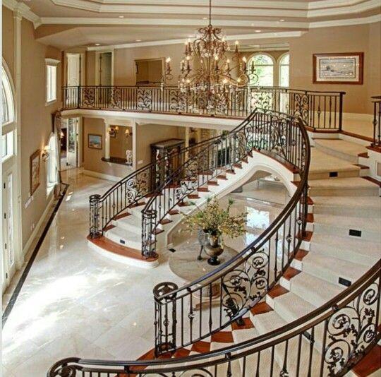 Pin de amber lynne en my dream home pinterest for Escaleras de casas de lujo