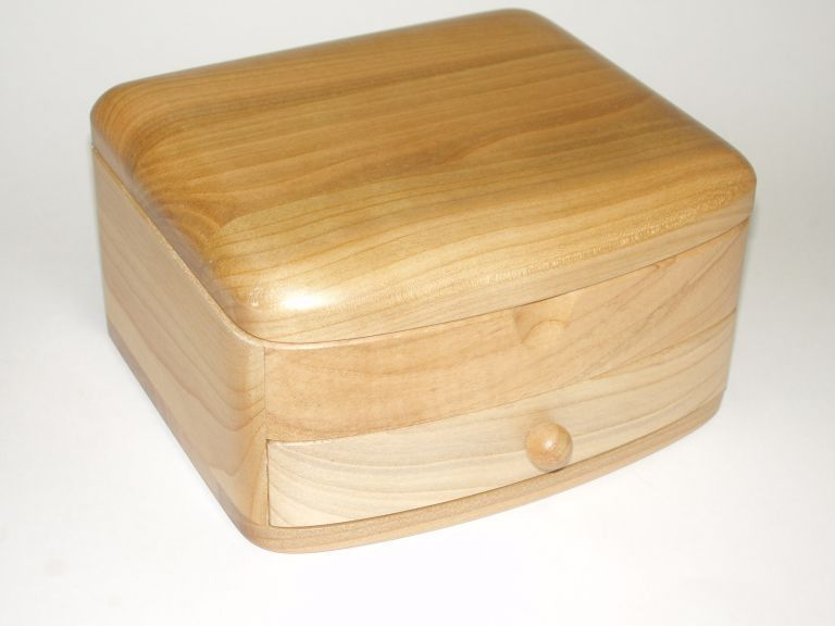 5600 wwwsolytoyscom Custom made wooden jewelry boxes nice