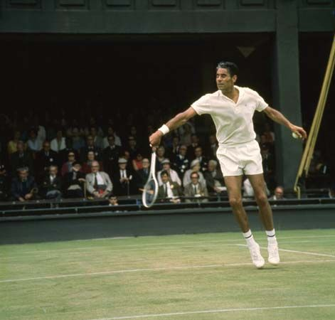pancho gonzales , smooth serve ,beautiful volley technique,elegant player