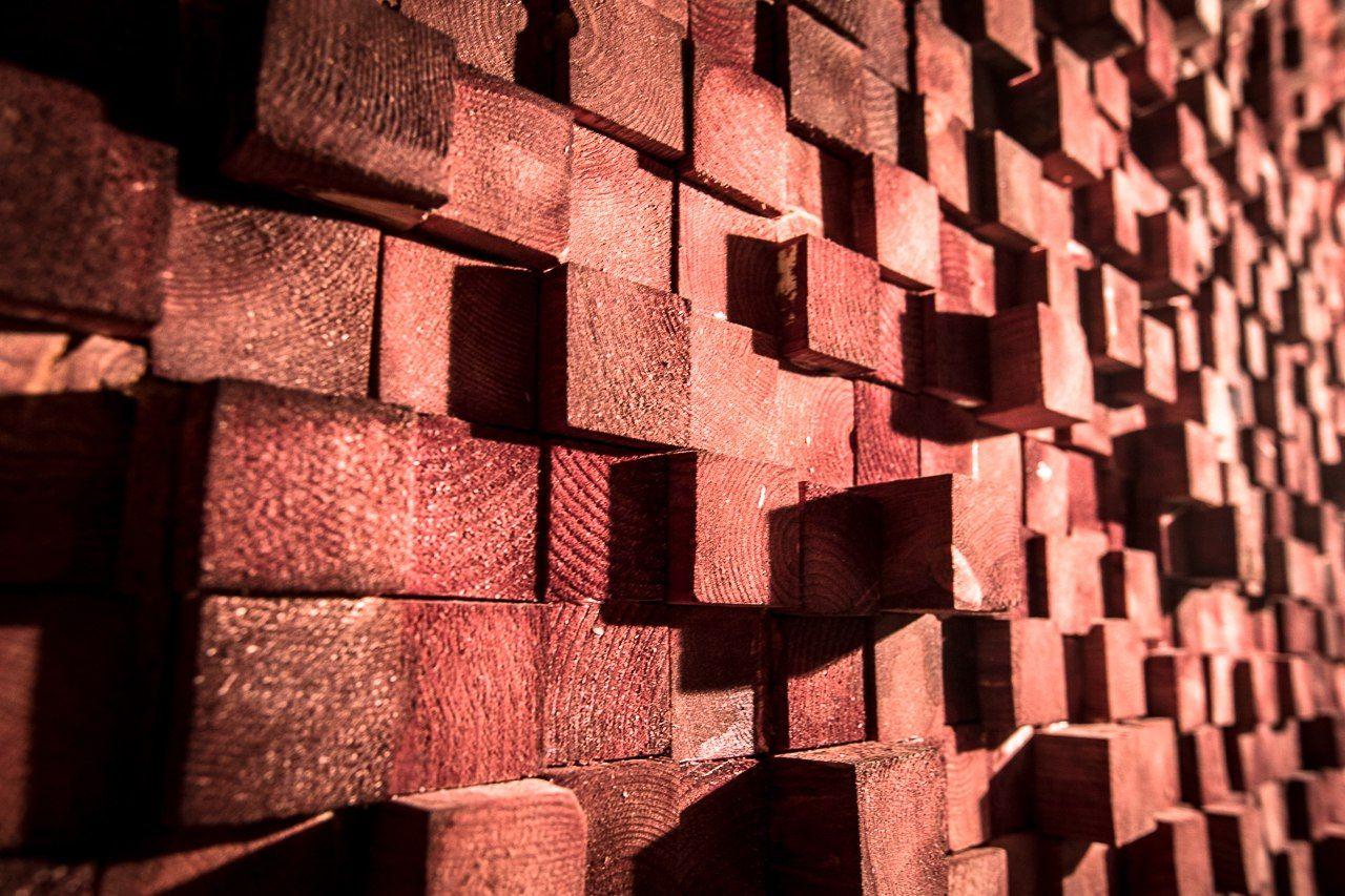 Интересное решение декорирования стены в анти-кинотеатре Kinogram. Уютное пространство для любого мероприятия! Ждем вас по адресу: Марата 82, тел 906-44-59. vk.com/kinogramspb,  kinogramspb.ru