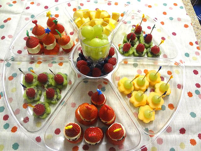 Christmas Party Food Ideas For Kids Part - 48: Fruit Trays For Parties | This Is Very Easy Fruit Tray. You Can Just Use · Children  Party FoodsKid ...