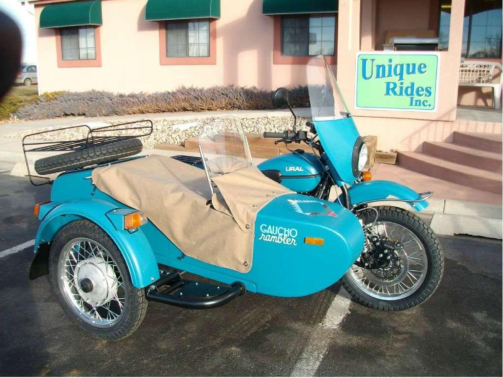 Ural, not sure on the blue Motorkerékpár