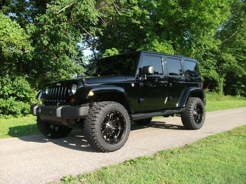 2013 Jeep Wrangler Unlimited Sahara 4 Door 3 6l Lifted 33 Toyo S