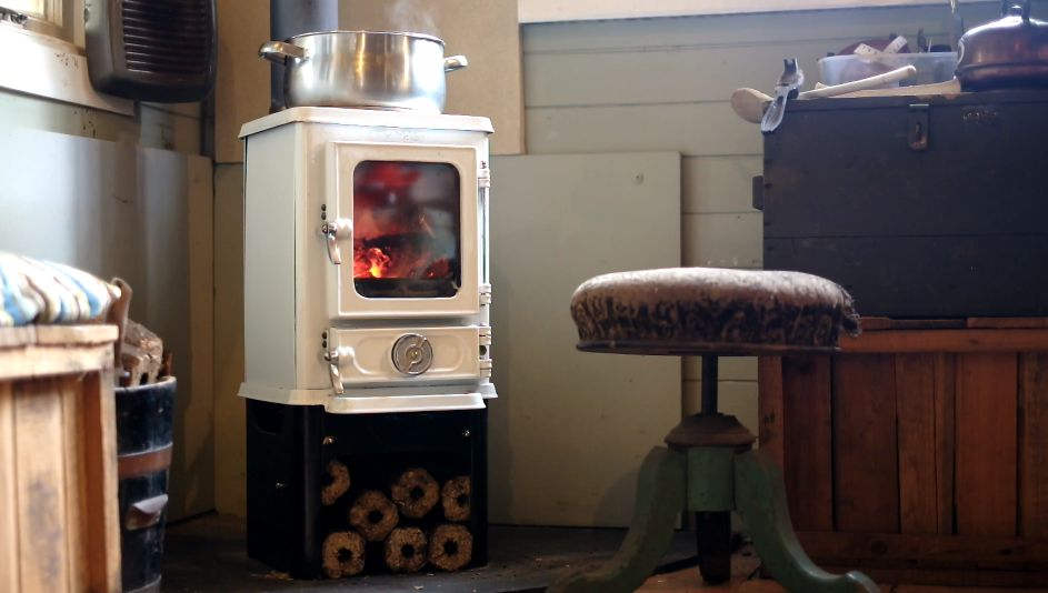 Hobbit Stoves In North America And Canada Tiny Wood Stove Small Wood Stove Wood Stove