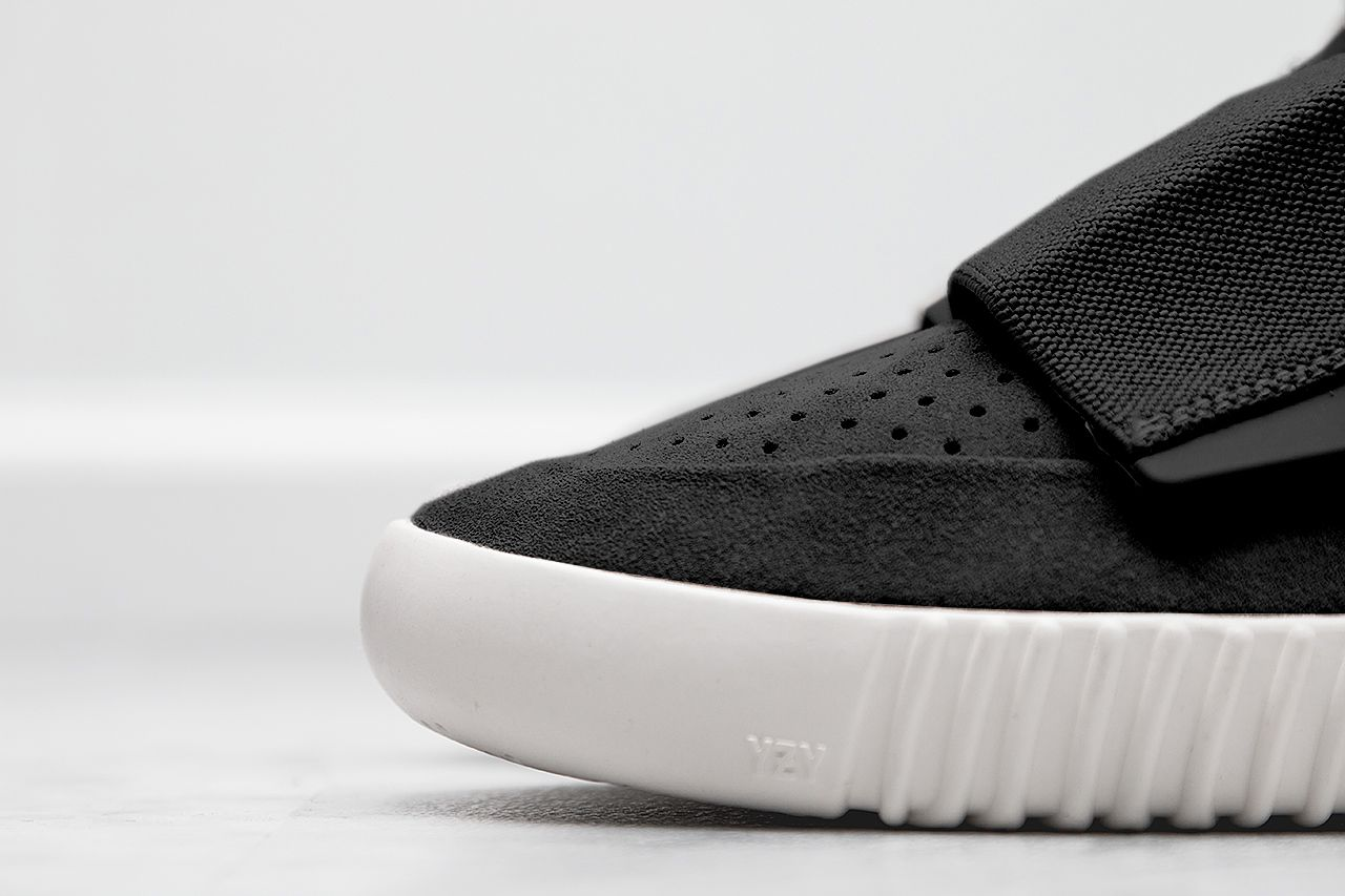 adidas-Yeezy-750-Boost-Black