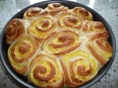 Rose cake with vanilla pudding   - Backen -