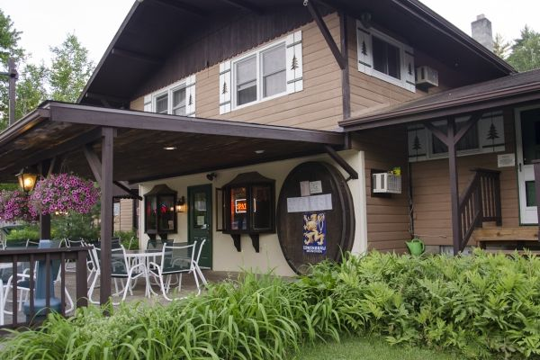 Pumpernickel S Restaurant German Dining On Lake George In