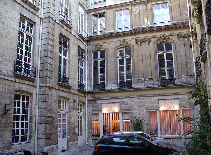 68 rue jean-jacques rousseau 75001 paris