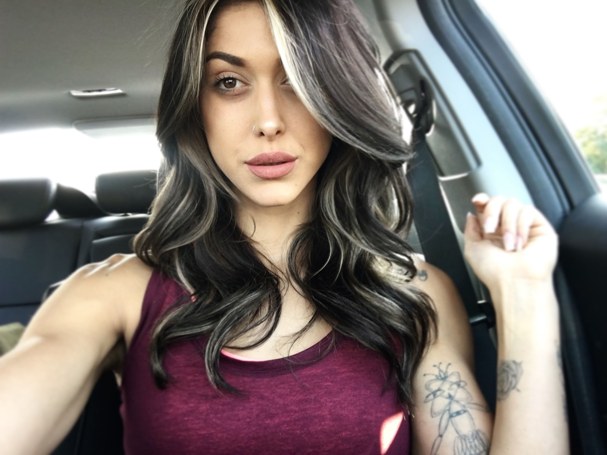 20 Unique And Beautiful Peekaboo Hairstyles Haircuts Hairstyles 2019 Hair Styles Dark Hair With Highlights Hair Highlights