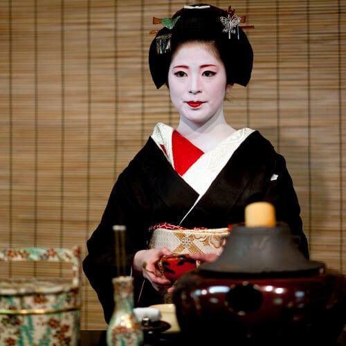 Geiko & Maiko — Miyako Odori 2010: Senior Geiko Sonoe (Kineya...