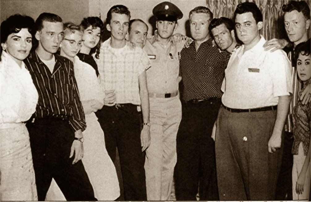 Elvis in september 1958, here with friends and his father.  Red West is at right on that picture.