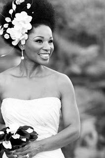Bride with Beautiful Afro...love seeing natural hair brides