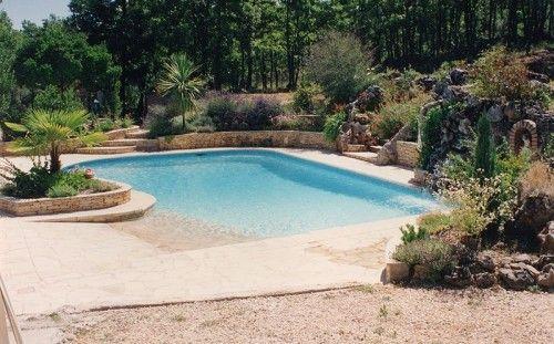 la piscine avec une plage immerg e en b ton arm monobloc nice frejus aix en provence id es. Black Bedroom Furniture Sets. Home Design Ideas