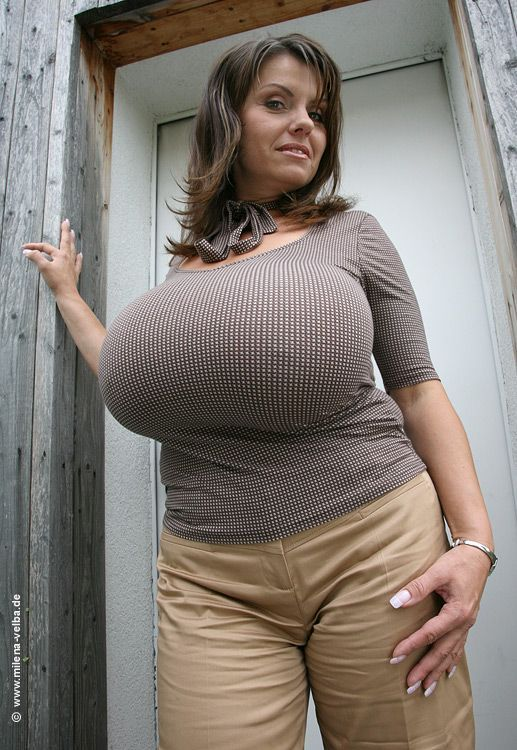 Pin By Mort On Bbw Boobs Sexy Older Women Big Naturals