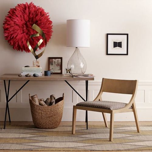 Red Accent Decor Accessories Flower Wood Nook Office Study Desk Accent Chair Glass Lamp Wicker Basket Voor Het Huis Huis Ideeen