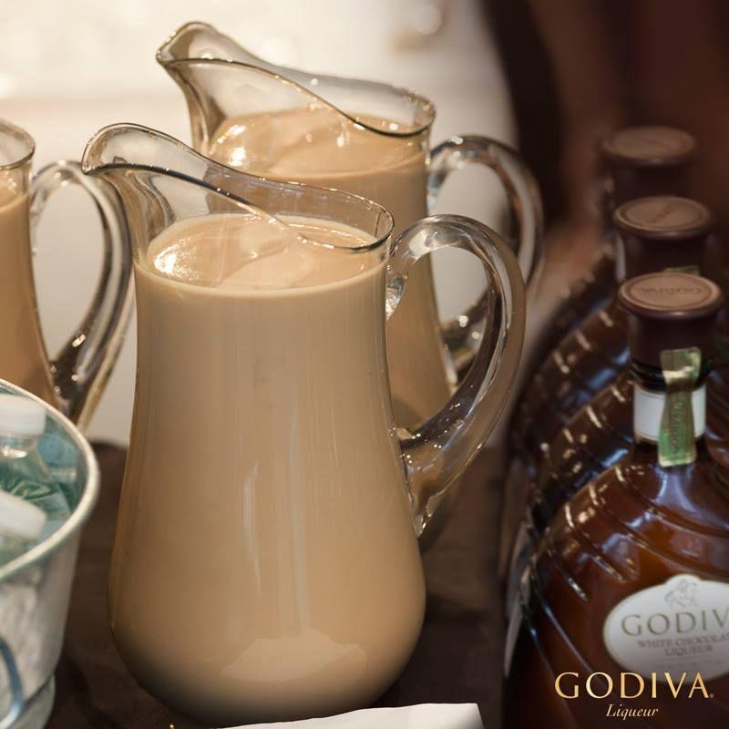 GODIVA Chocolate Martini Pitchers Serves 7 1. Combine 7.5
