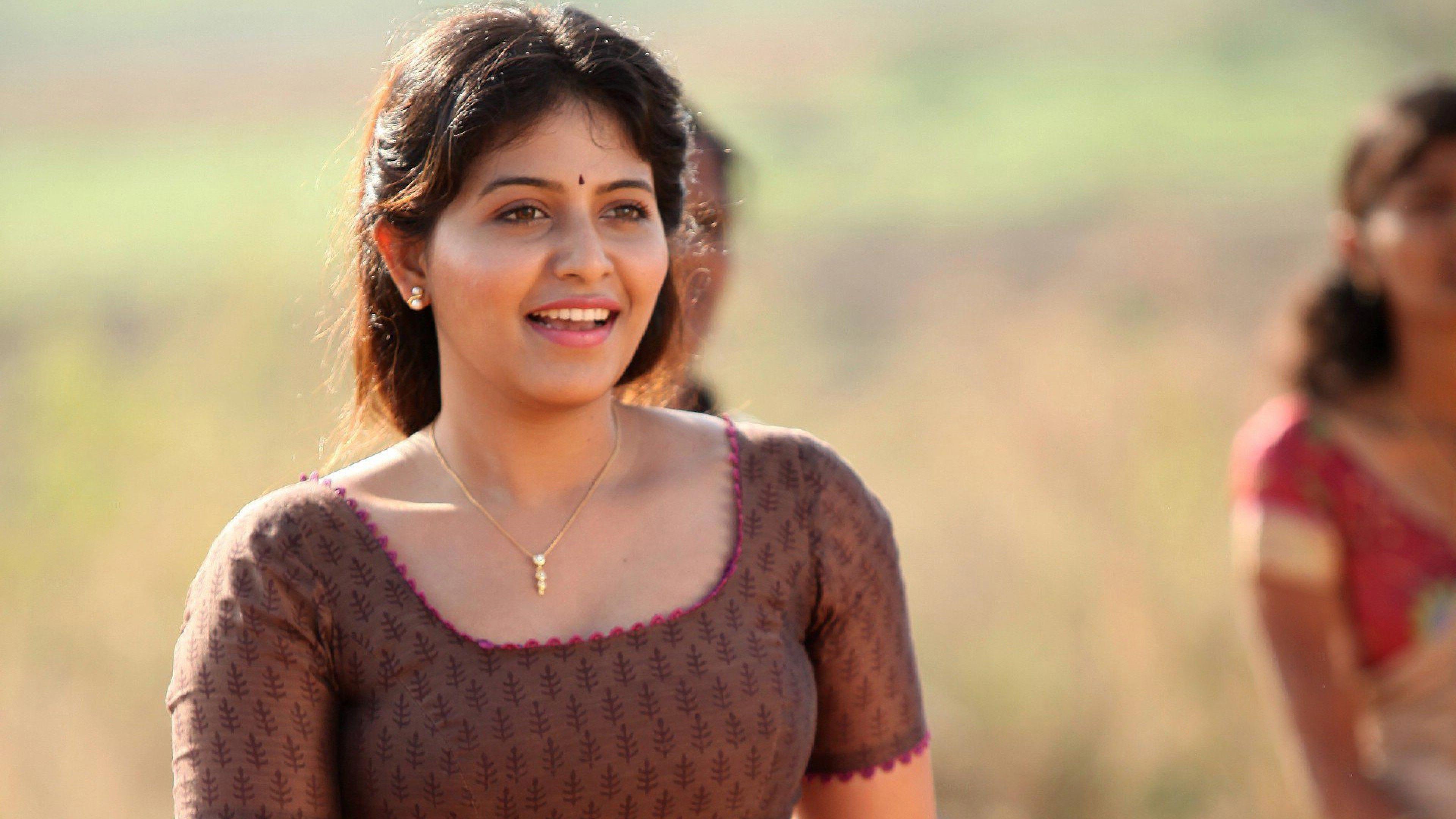 Anjali Tamil Actress Hd 4k Ultra Hd Wallpaper Hd 1080p Wallpaper Tamil Actress Actresses Indian Actresses