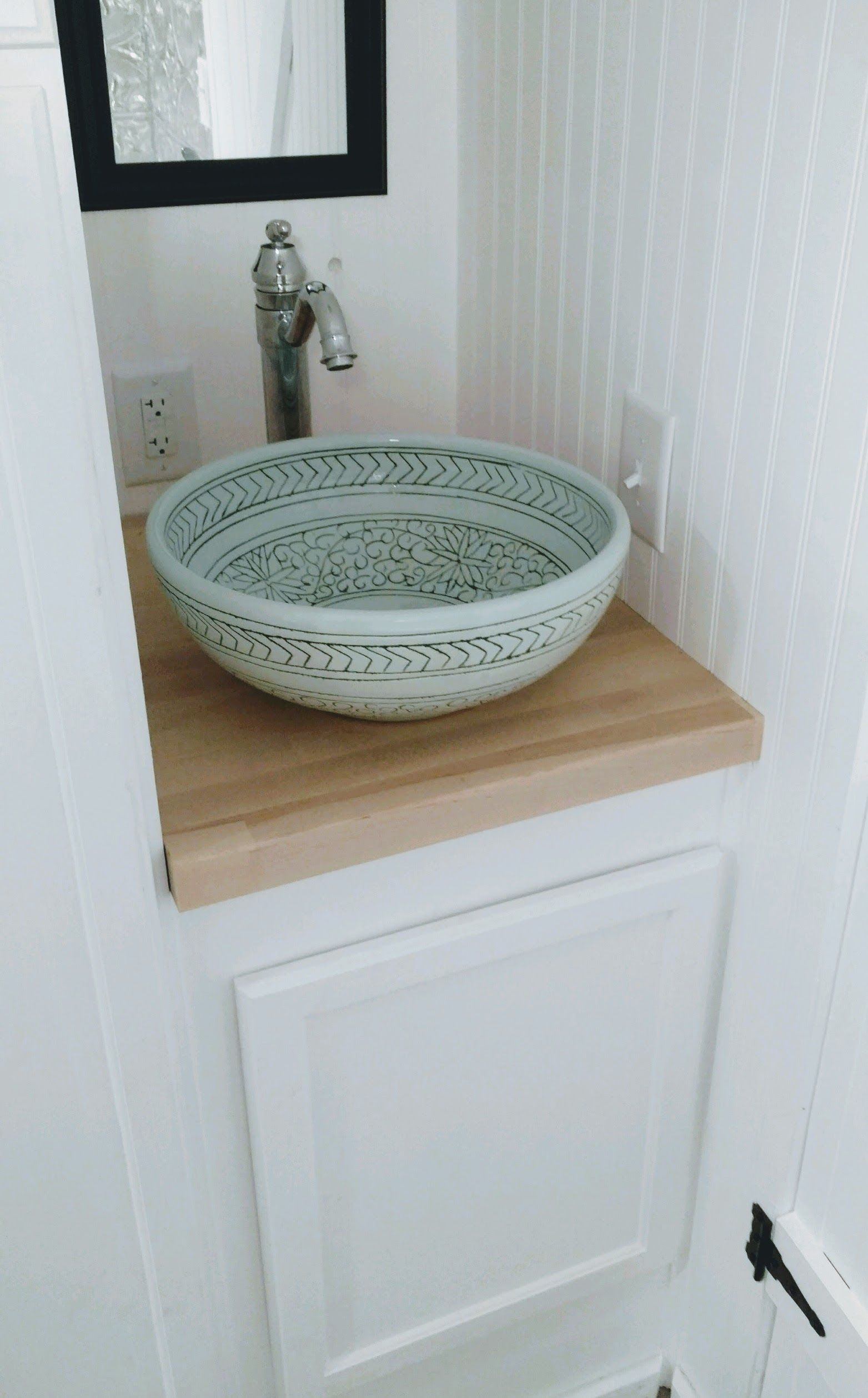 Love This Vessel Sink In The Glamping Bus Vessel Sinks Powder Room Small Sink
