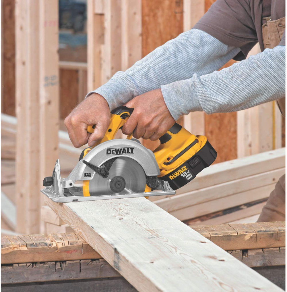 The Dewalt Dc390 Is A 18v Cordless Circular Saw And Is The Tool Only The Saw Uses 6 1 2 Inch Carbide Cordless Circular Saw Dewalt Circular Saw Circular Saw