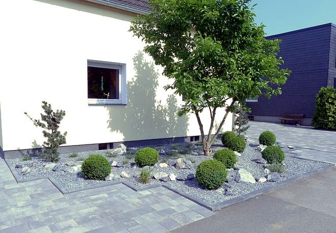 Pflegeleichter vorgarten mit gr sern garten pinterest - Kleinen vorgarten gestalten ...