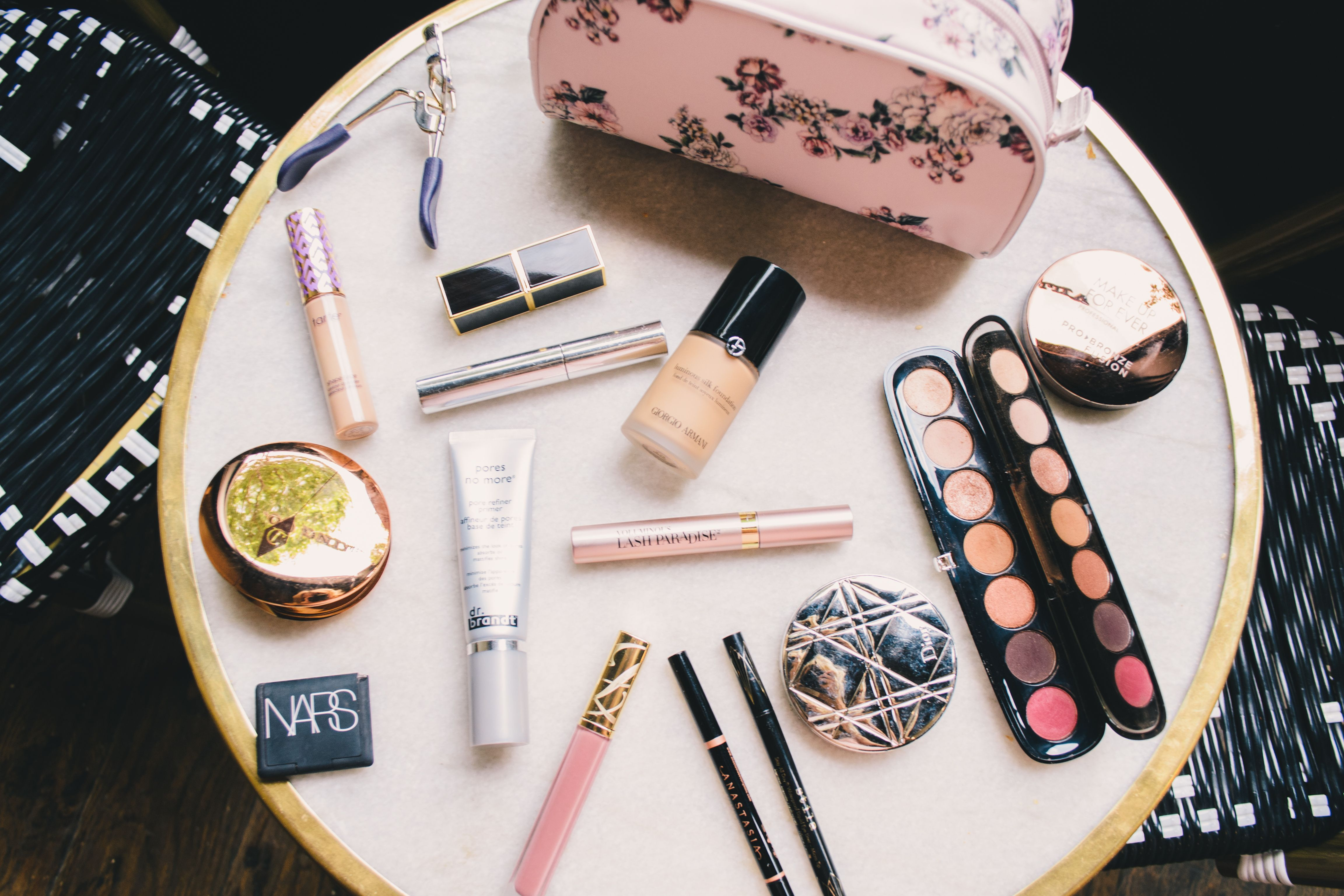 What S In My Everyday Makeup Bag Sephora Spring Sale Picks 2019 Hannah Mcdonnell In 2020 Whats In My Makeup Bag Everyday Makeup Makeup Bag