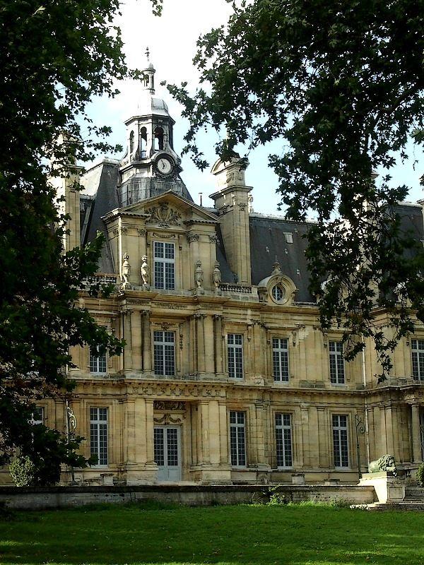 Chateau En Ile De France : chateau, france, Abandoned, Château, Carnelle, (Castle, Franconville), Located, Forest, Carnelle,, Houses,, Places,, Mansions