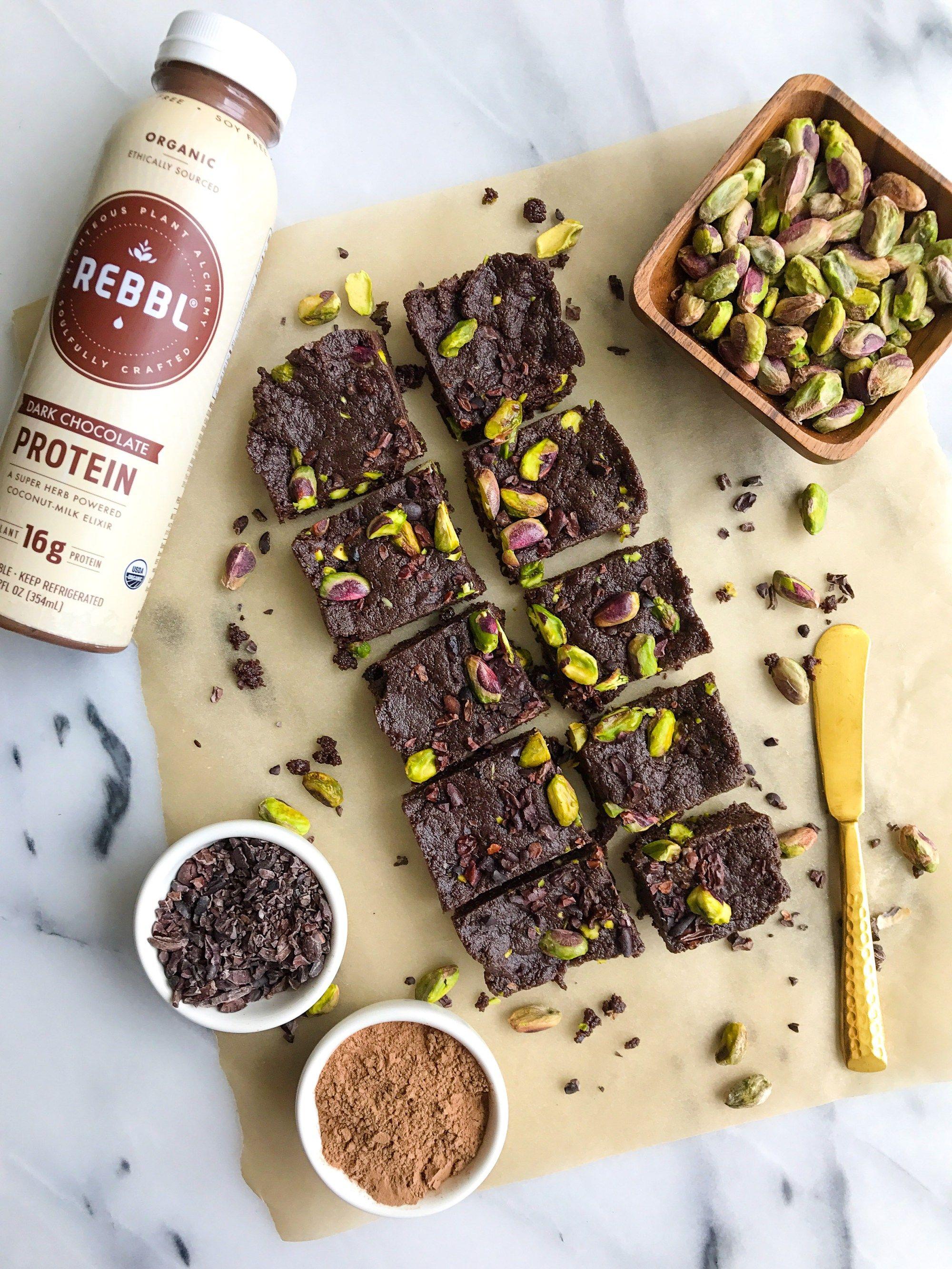 Dark chocolate pistachio protein fudge bites vegan