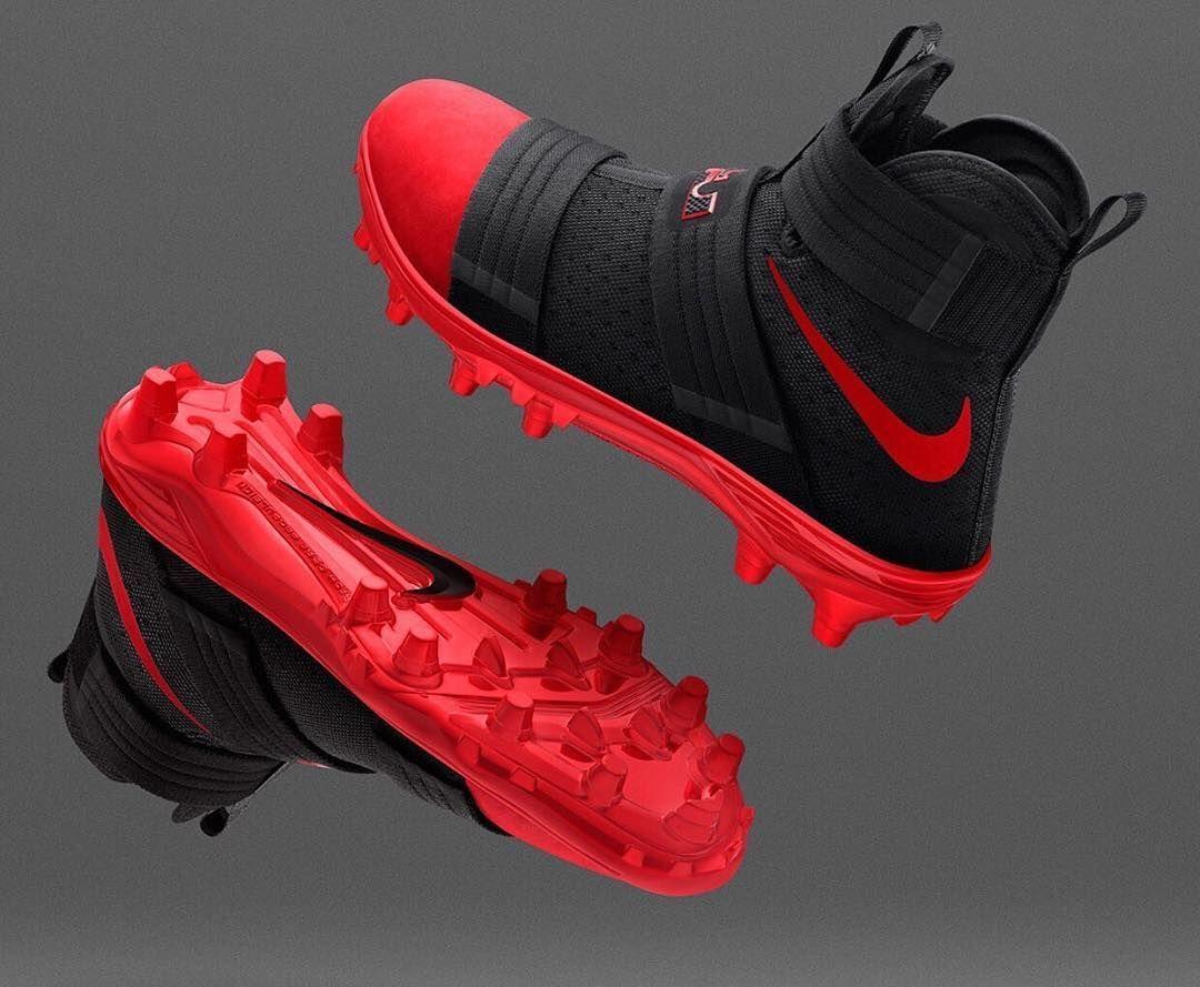 b1d156b8ff545 Nike LeBron Soldier 10 Cleats  BRKicks  BaseballCleats Zapatos De Fútbol