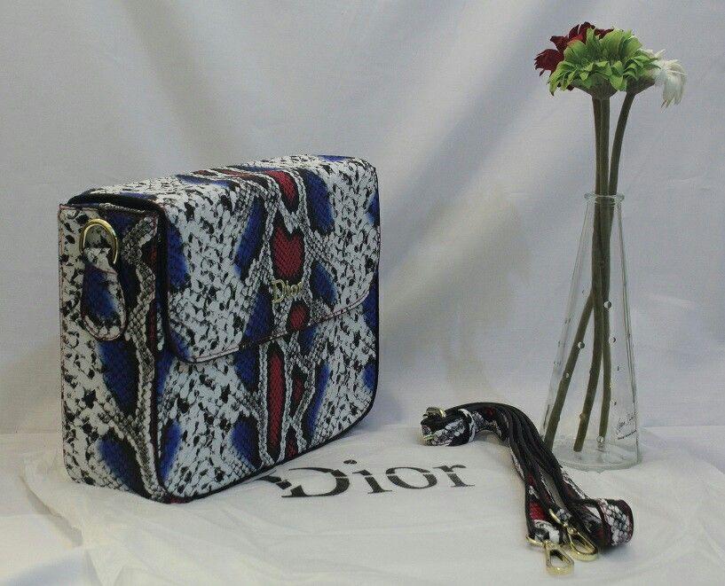 b1bada16a74f5 شنط ماركة Dior سعرها ٢٠٠ ريال