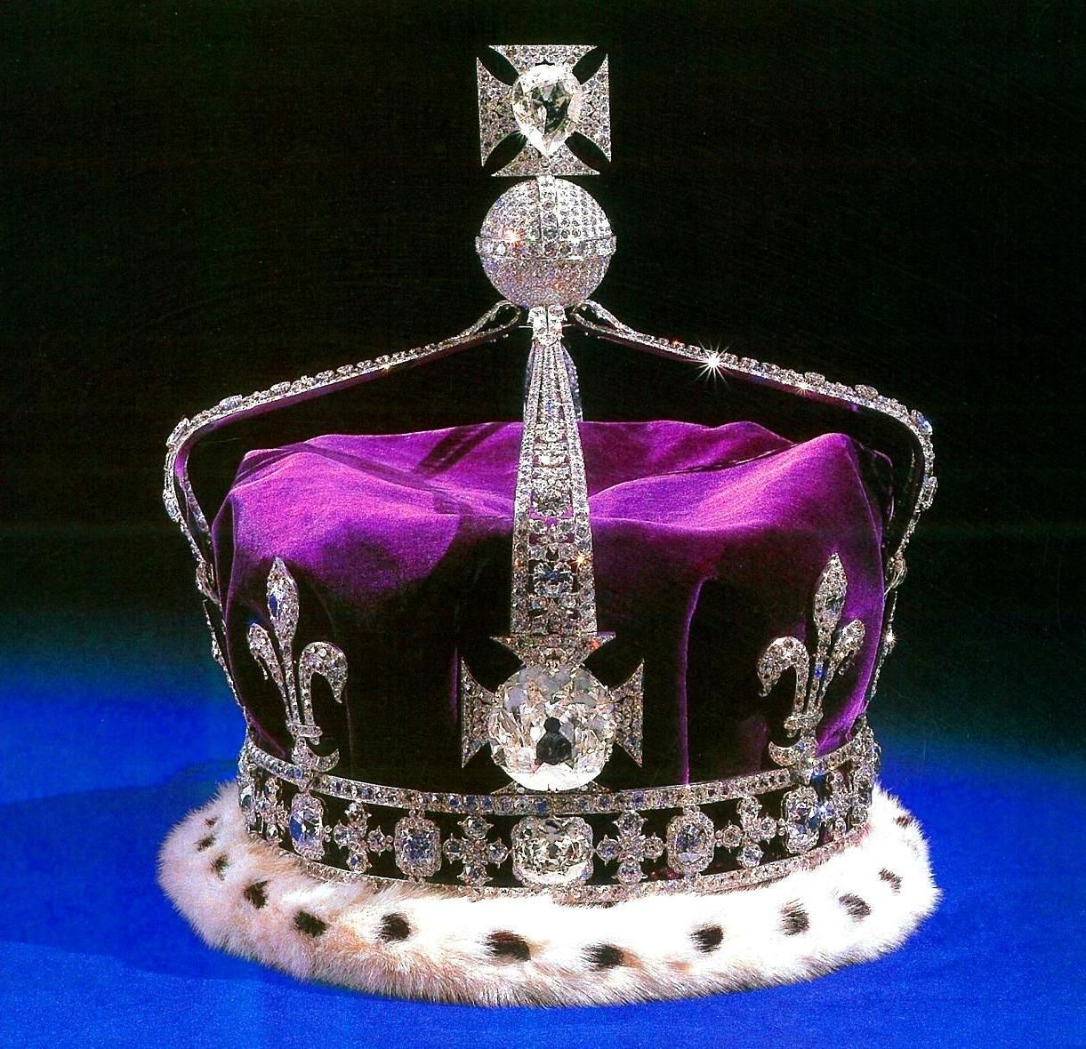 Crown of Queen Elizabeth, the Queen Mother, 1937 with the