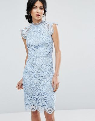 c0b49a82ef4f065 Кружевное платье-футляр с фигурными краями Chi Chi London | шитье ...