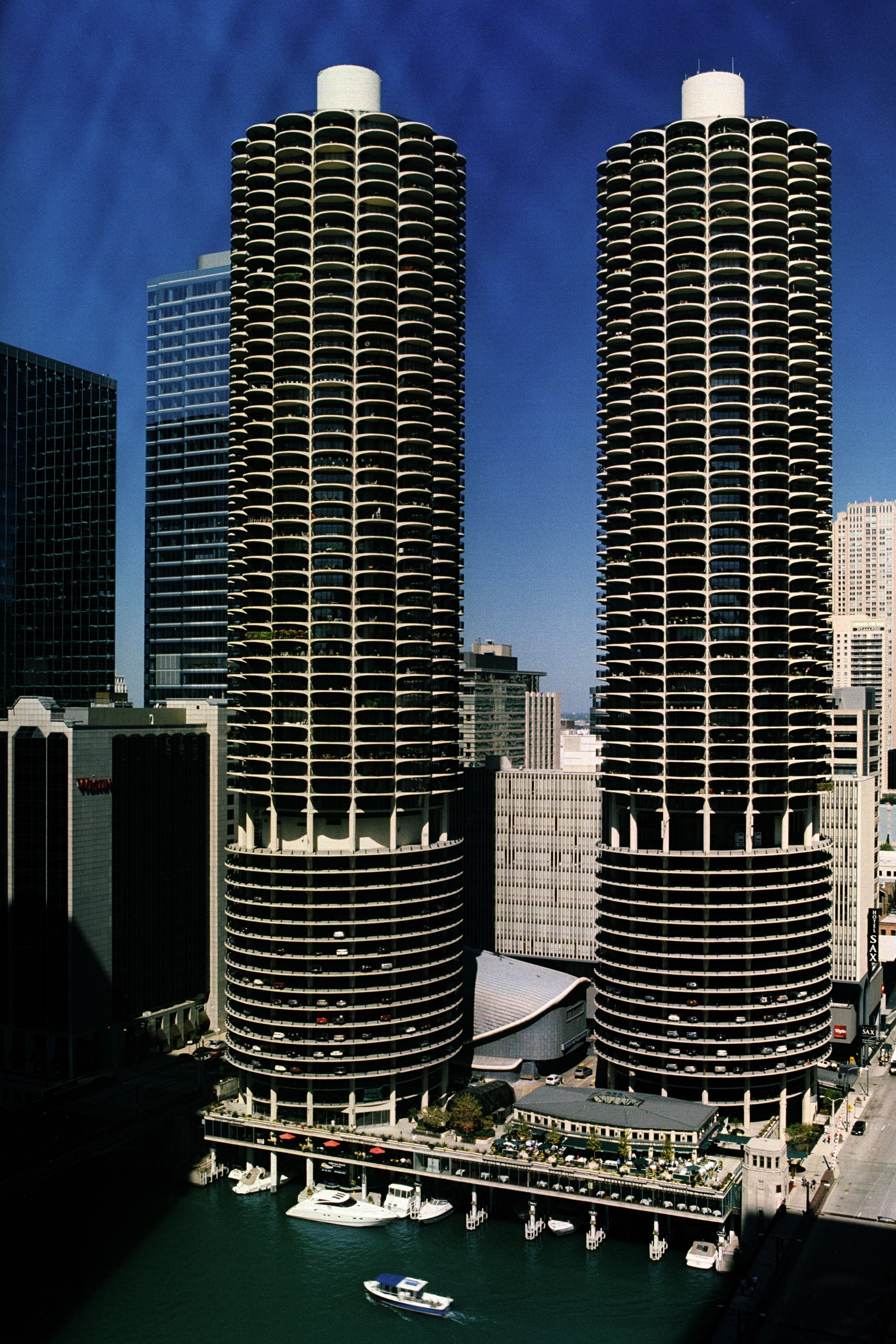 Marina Towers In Chicago Illinois Looking Like A Of Corn Cobs