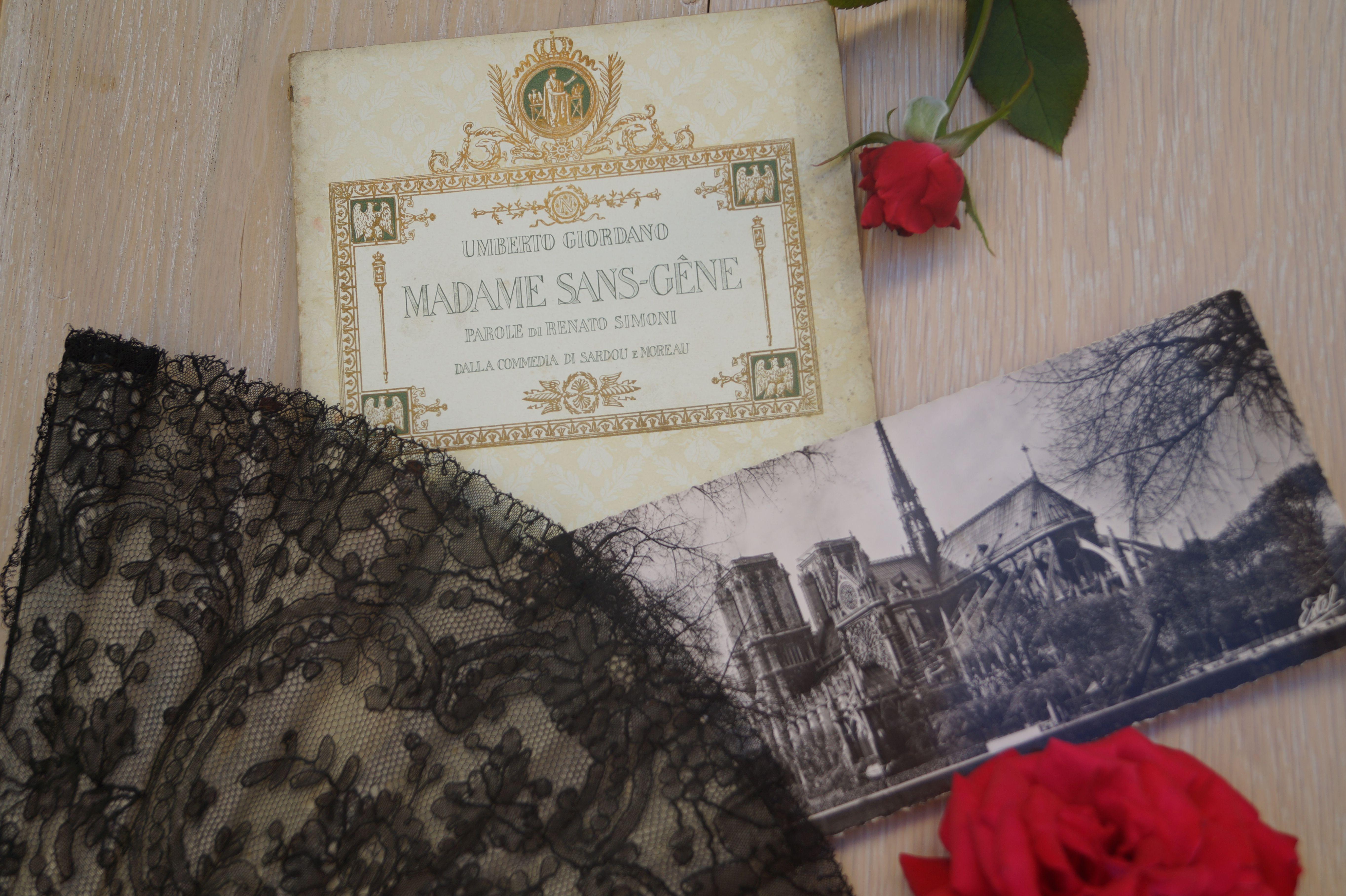 ventaglio in pizzo, cartoline città vecchie