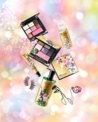 shu uemura collaborates with Takashi Murakami for holiday collection