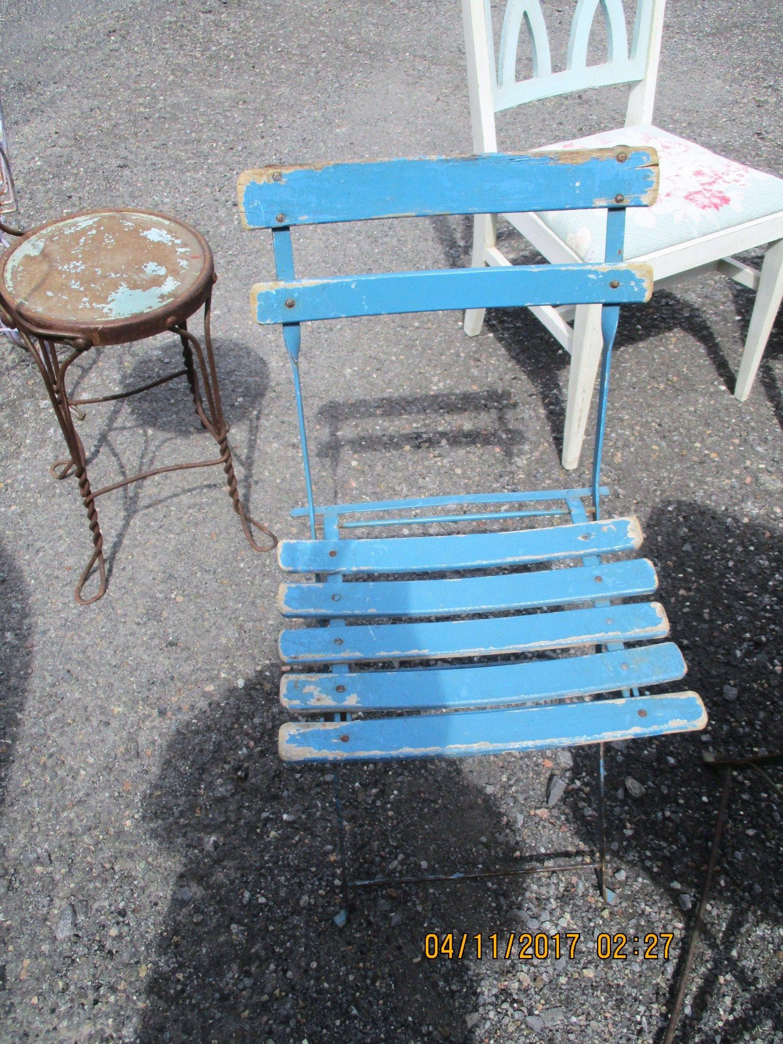 Vintage French Bistro Folding Chair Garden Chair Wood Slats Metal Frame Shabby Chic Cafe Rare By Simplycottagechic On Etsy Shabby Chic Cafe Folding Chair Shabby Chic Frames
