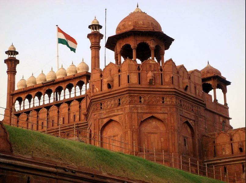 Chandni Chowk In Old Delhi The Fort Is A Great Way To Get To Know The Past Glory Of India This