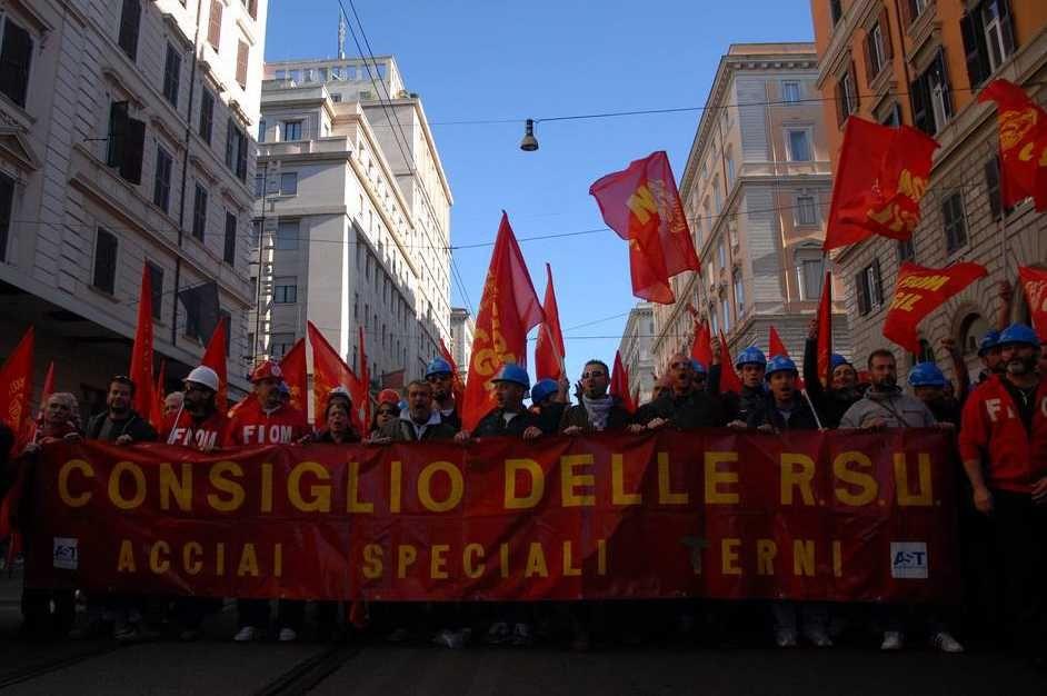 """Pestaggio di Roma, la condanna del Pcl: """"Renzi, l'autoritarismo becero con una deriva autoritaria"""""""