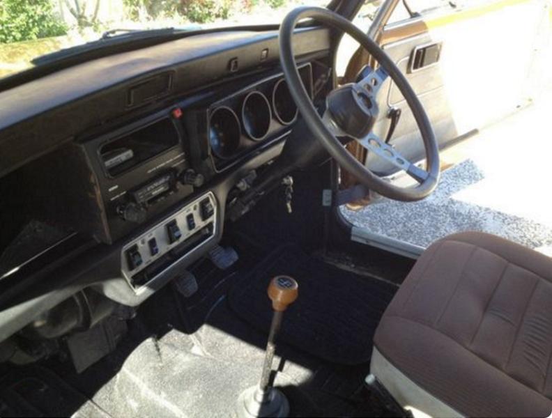 Leyland Mini 998 LS dashboard and steering wheel Used