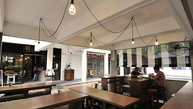 3 Super Nostalgic Cafes That You Have To Check Out Cafe Restaurant Lighting Creative Decor