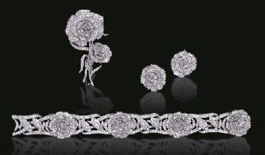 SET OF DIAMOND JEWELRY, BY RAYMOND C. YARD