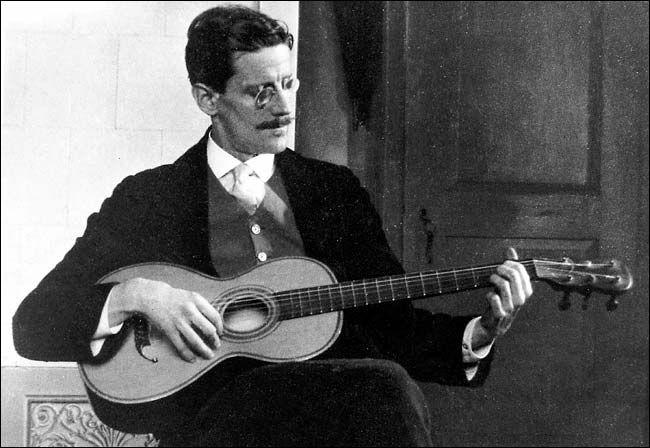 James Joyce on the guitar